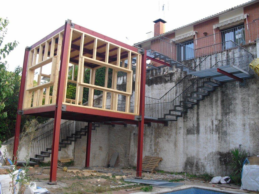 Serralleria metcor ampliaci n de vivienda escaleras y for Escaleras de viviendas